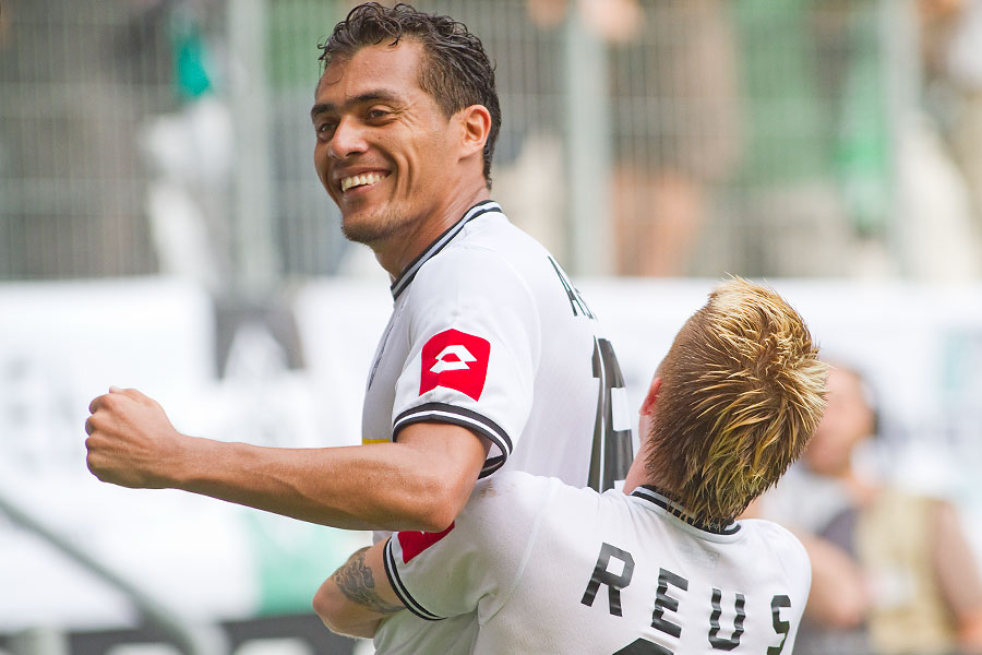 110910-P-SP05-Borussia-FC-Kaiserslautern-0293-Juan-Arango-Torjubel-Marco-Reus