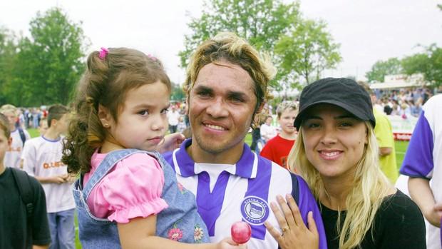 Alex Alves con su ex mujer Nadia y su hija