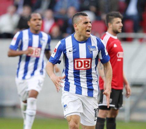 Ben Hatira celebra el gol del empate en Ingolstadt