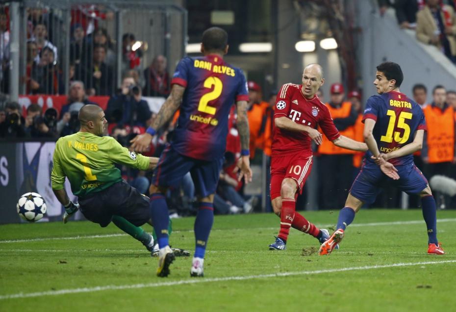 Verdugo e ídolo: Robben fue vital en eliminación del Barcelona