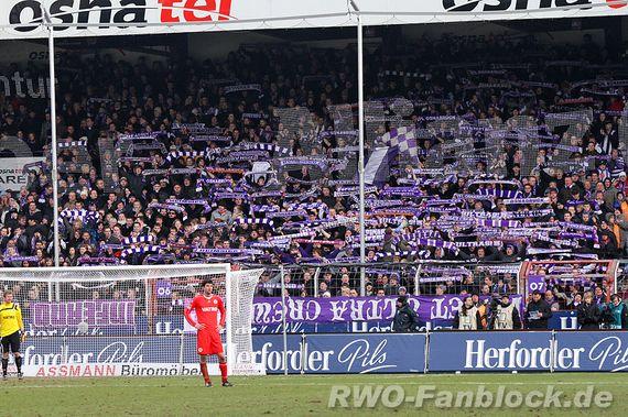 Fanaticada del VfL Osnabrück.