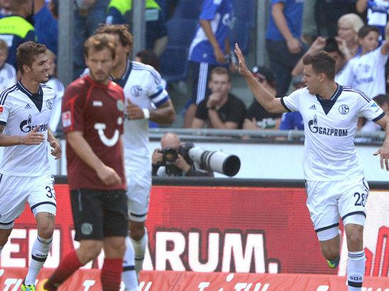Adam Szalai celebra el gol para el Schalke ante el Hannover 96. Foto: Kicker