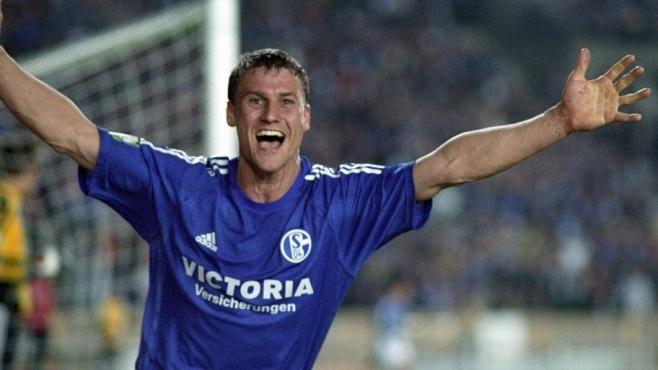 Ebbe Sand celebra el tanto de la victoria para el Schalke 04 ante el SV Darmstadt 98 en 2001. Foto: Schalke 04