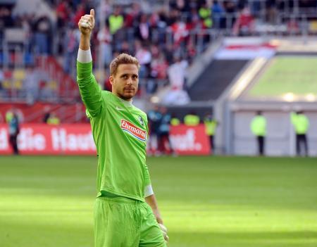 La temporada pasada, Baumann logró el récord de imbatibilidad  del SC en una temporada con 13 partidos sin recibir goles en contra. Fuente: scfreiburg.com