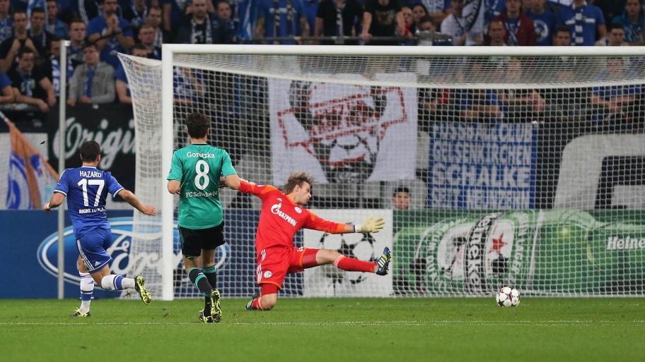 Hazard define lo que a la postre sería el definitivo 0-3 para el Chelsea ante el Schalke 04. Foto: Schalke 04.