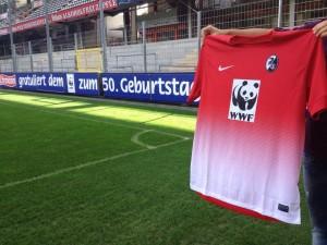 Camiseta que utilizará el SC. Foto: SC Freiburg official facebook page.