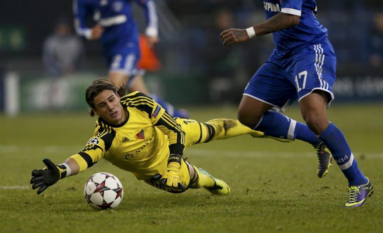 Yann Sommer sería el protagonista por el cuadro visitante, evitando una goleada del Schalke. Foto: Getty Images.