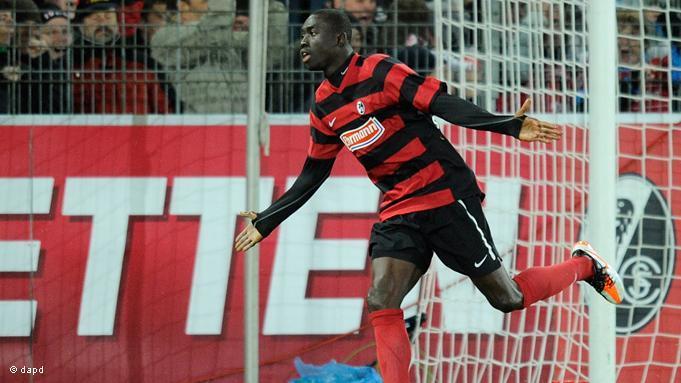 Letal. Cissé fue la carta de gol del Freiburg durante dos temporadas. Foto: deutsche welle