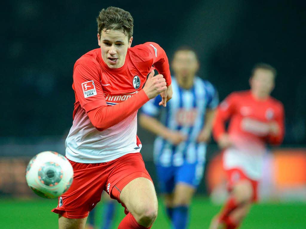 El lateral de 21 años lleva disputados 26 partidos oficiales con el primer equipo. Foto: badische-zeitung// AP