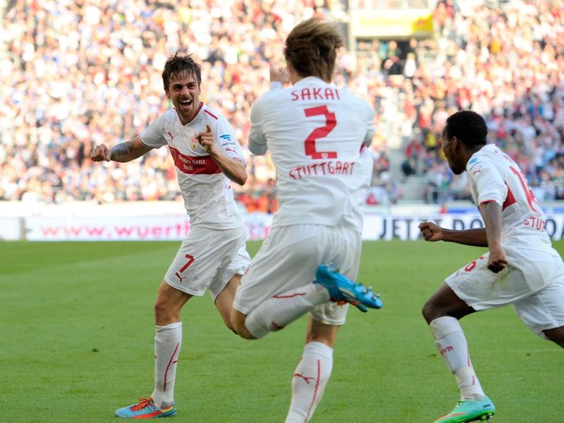 Harnik agradece en la celebración del gol la asistencia de Sakai, en el que había sido el tercer tanto local.
