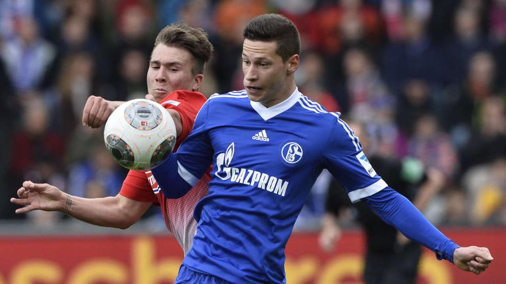 El encuentro ante el Friburgo era el número 100 de Julian Draxler en la Bundesliga con la camiseta del Schalke 04. Foto: Getty Images.
