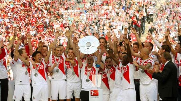 FC Köln cumple el objetivo y vuelve a la 1.Buli. Foto via t-online.de