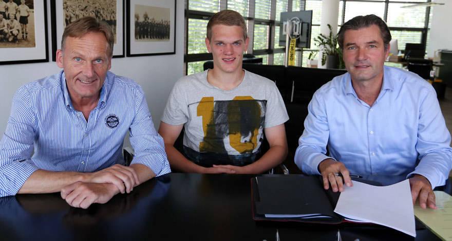 Ginter firma su contrato por cinco temporadas. Foto: bvb.de