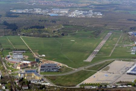 Zona de Wolfswinkel, perteneciente al aeropuerto de Freiburg. El lugar elegido. foto: scfreiburg.com