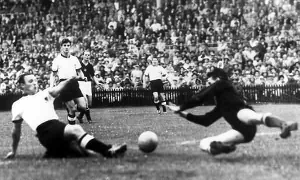 Uno de los tres goles de la victoria alemana. Foto: La Simiente Negra.