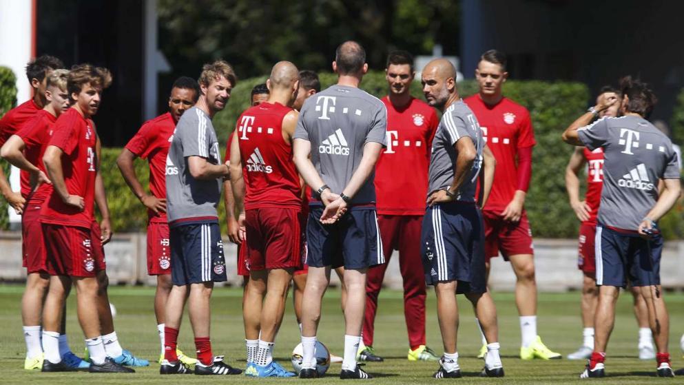 Pep Guardiola ya ha empezado los trabajos con el equipo a fin de hacer otra temporada fuera de órbita con el Bayern. Fuente: bild.de