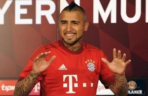 Ya con la casaca roja del FC Bayern, Arturo Vidal llega para darlo todo en el club bávaro. Imagen Fuente: web.de