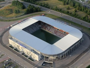 Estadio del FC Augsburg con su anterior denominación. Imagen procedente de: new.heli-aviation.de