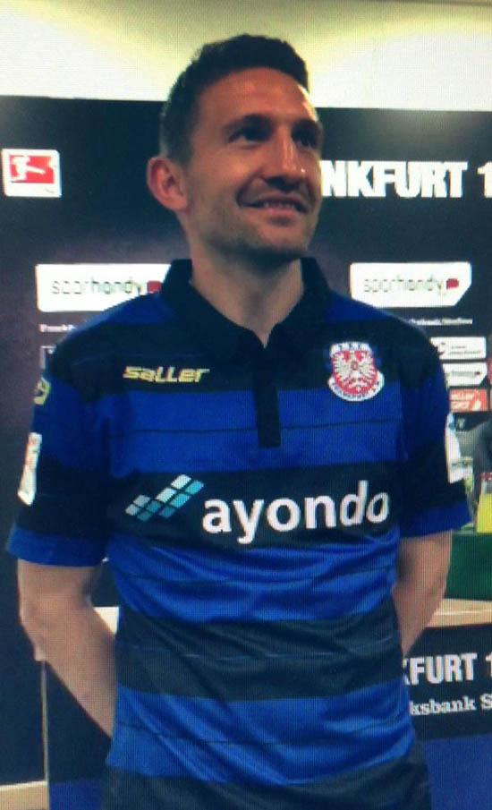 Uniforme de local del FSV Frankfurt para 2015/16. Fuente: nurfussball.com