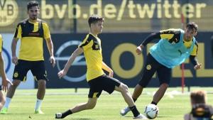 Julian Weigl (centro). Futbolista llegado este año y que está gustando mucho a Tuchel. Imagen procedente de: goal.com