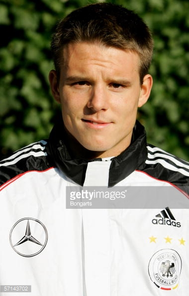 Sí. Así de joven se veía Alexander Meier hace alrededor de 10 años cuando vistió en sólo 2 ocasiones la casaca de la selección. ¿Podrá Meier volver a vestirla? Foto: Getty Images