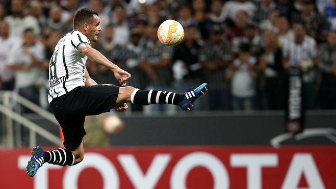 Renato Augusto ha vuelto a sus mejores tiempos en su tierra natal jugando para Corinthians. hora Schalke 04 busca ir por él. Foto de sport1.de