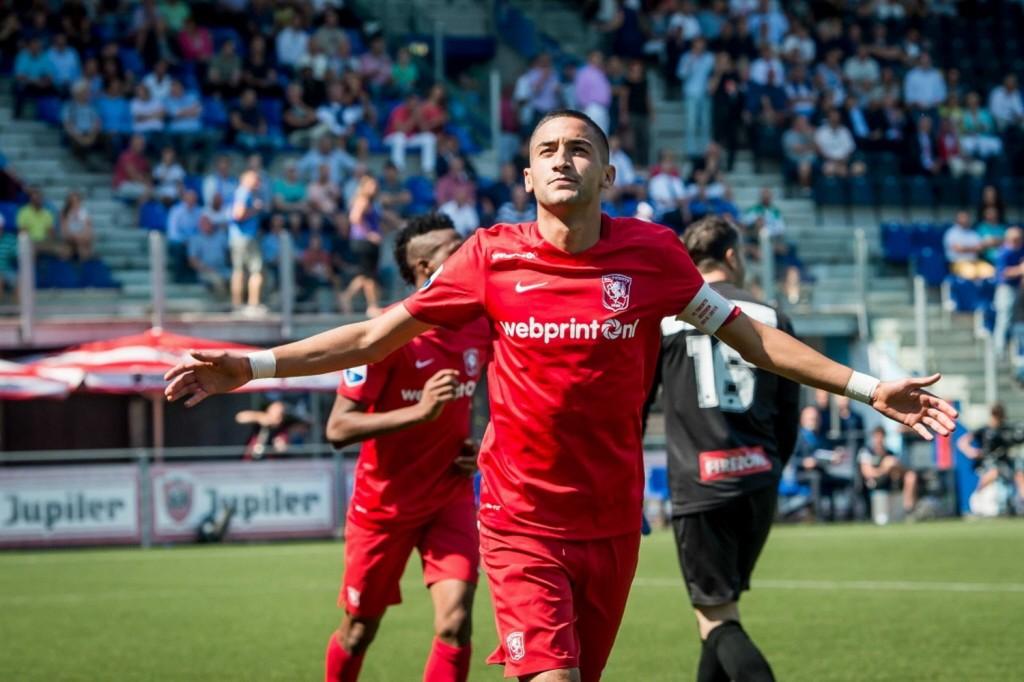 Hakim Ziyech está teniendo una muy buena temporada con su actual club, el Twente; ahora está en la mira de varios clubes, varios de ellos alemanes. Foto de De Telegraaf.