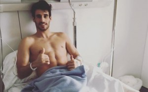Javi Martínez después de la operación del menisco. Imagen procedente de: estaticos.sport.es