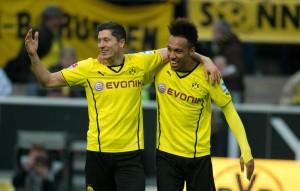 Robert Lewandowski (izquierda) y Pierre-Émerick Aubameyang (derecha) cuando eran compañeros en el Borussia Dortmund. Imagen procedente de: ruhrnachrichten.de