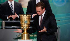 Alcalde de Berlín en la entrega de la Copa. Imagen: Getty Images