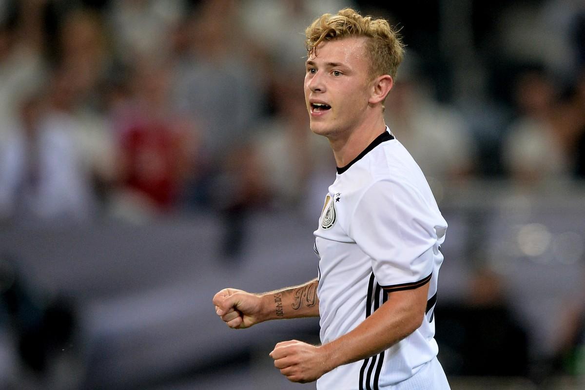 Max Meyer se perfila como una de las principales promesas del fútbol alemán. (Sascha Steinbach/Bongarts/Getty Images)