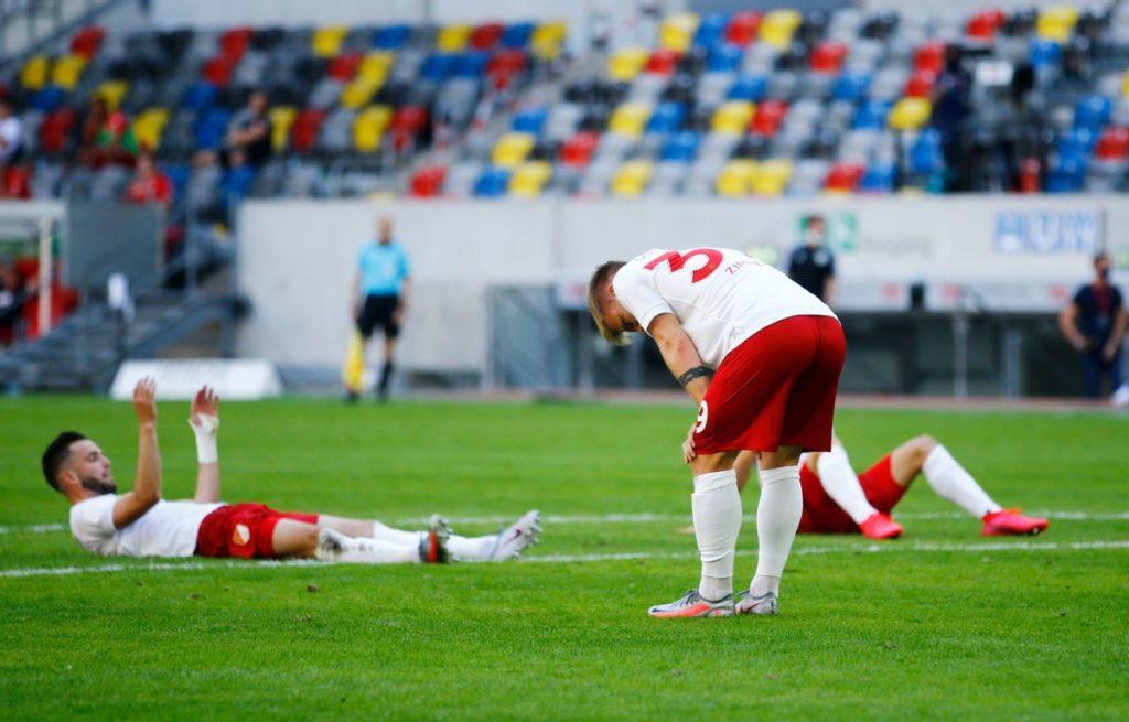 A pesar de los esfuerzos recientes, Fortuna Düsseldorf no ha podido librarse de la batalla por el descenso.