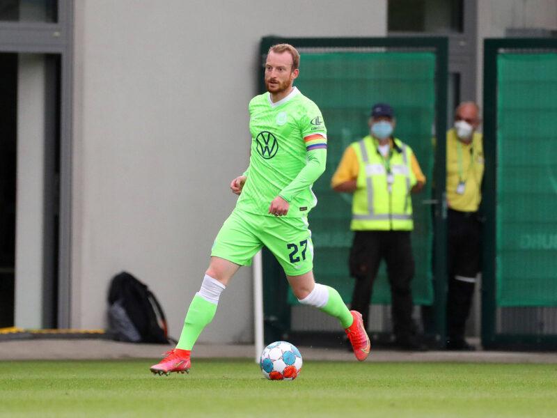 Maximilian Arnold, capitán del Wolfsburg en el amistoso contra Erzgebirge Aue. Foto: Imago