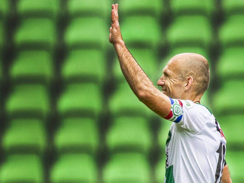Arjen Robben saluda a los aficionados del FC Groningen. Fuente: Imago Images