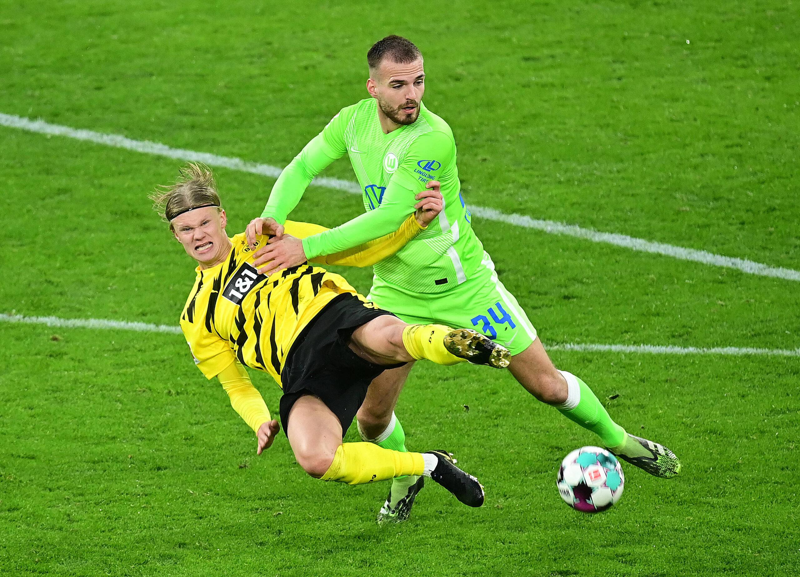 Marin Pongracic mostrando sus habilidades frente a su nuevo equipo, Borussia Dortmund. Foto: Imago.