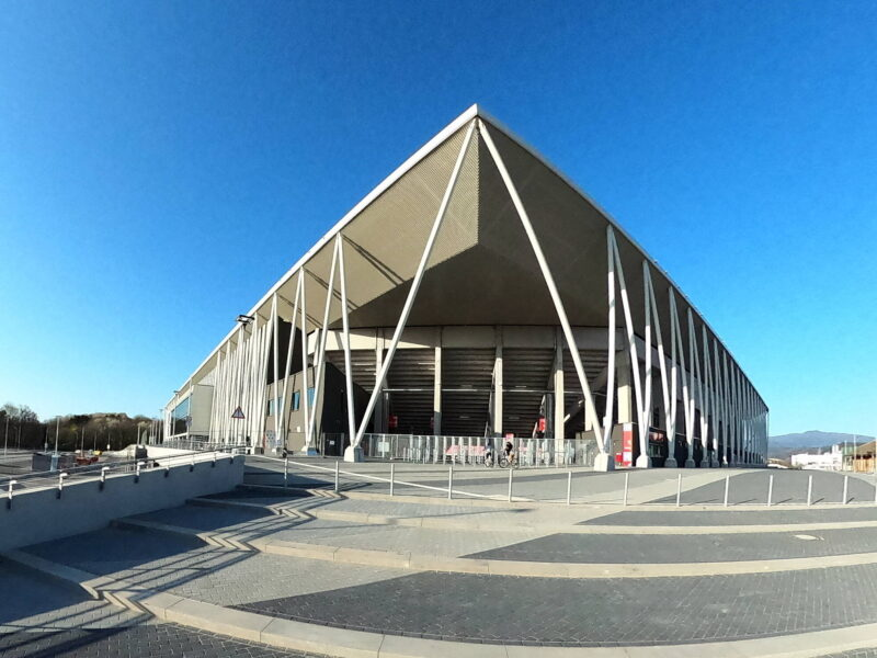El estadio de Freiburg deberá esperar un tiempo más para ser estrenado. Foto: Imago.