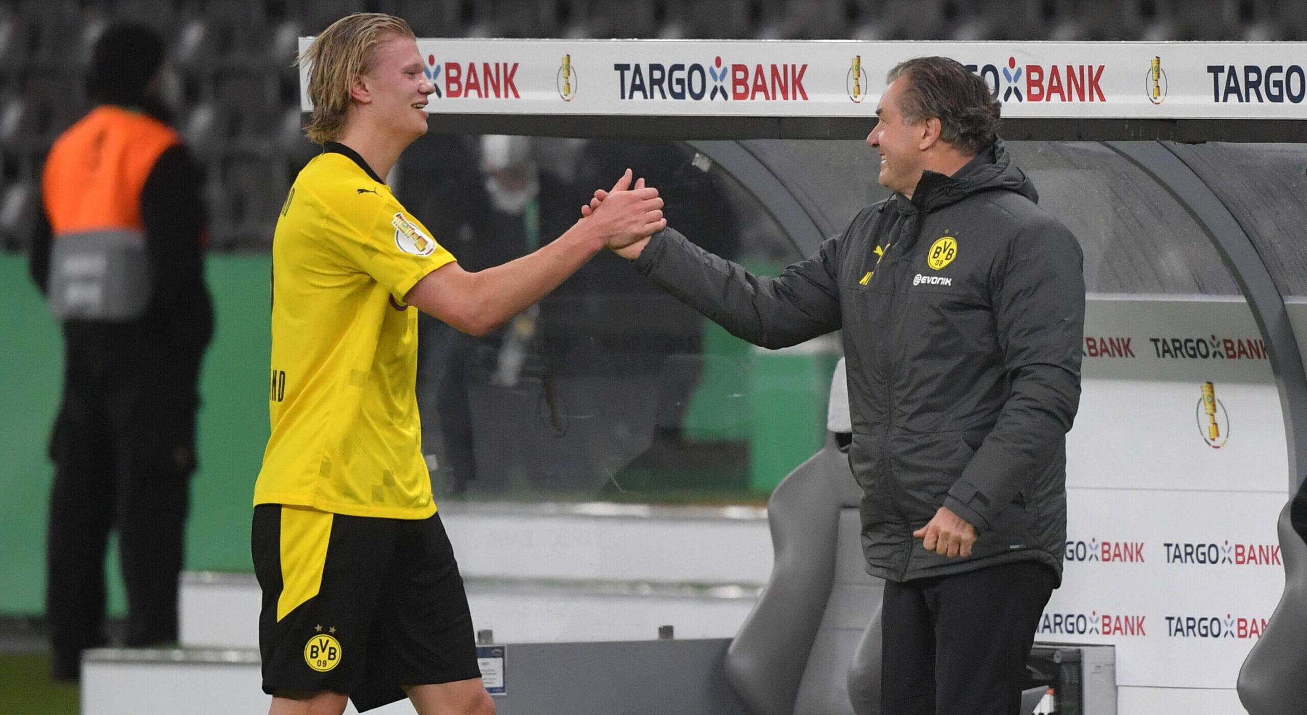 Erling Haaland y Michael Zorc, un acuerdo que continuará por esta temporada. Foto: Maik Hölter / TEAM2sportphoto