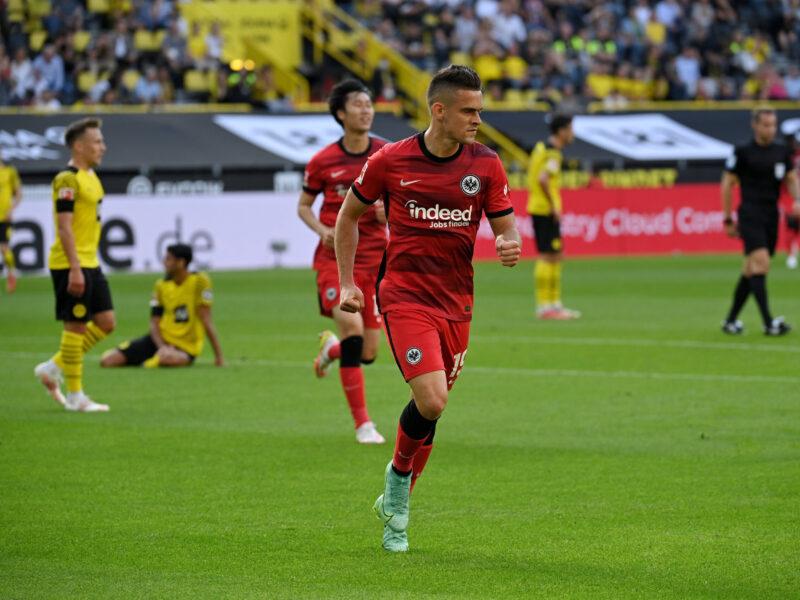 Rafael Santos Borré contento en la Bundesliga. Foto: Imago.