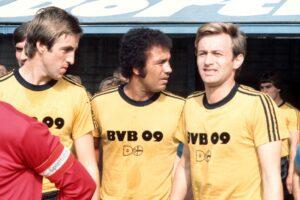 La camiseta de Borussia Dortmund en la que Puma se inspiró para el nuevo diseño. Foto: Imago