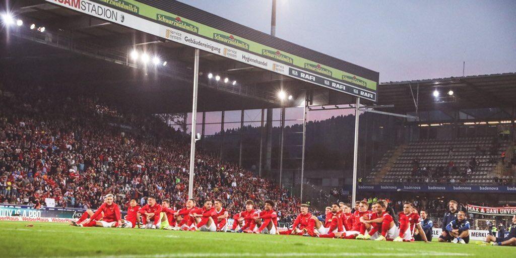 SC Freiburg se despidió de su viejo estadio en la última jornada de Bundesliga. Foto: Imago.