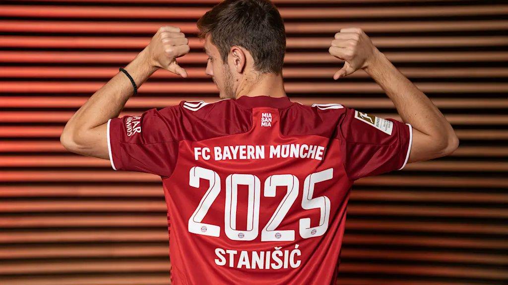 Josip Stanisic renueva su vinculo con Bayern hasta 2025.